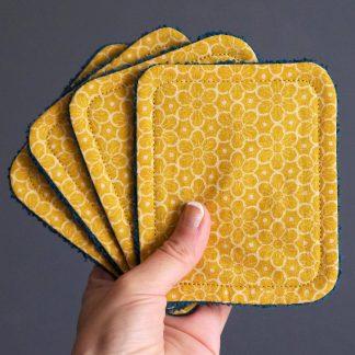 Lingettes lavables coton fleurs graphiques jaune curry éponge absorbant bleu paon écologique démaquillant fait main - Julie & COo