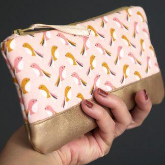 Pochette à lunettes en tissu et simili cuir doré fait main oiseau graphique rose poudré saumon - Julie & COo