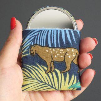 Miroir rond 56mm feuilles tropicales jungle jaguar palmier bleu marine vert jaune étui tissu polaire bleu ciel - Julie & COo