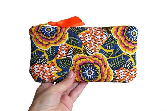 Étui lunettes en tissu imprimé inspiration wax dahlia jaune motifs estivaux multicolore soleil été trousse pochette fait main - Julie & COo