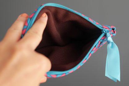 Étui lunettes housse zippée tissu graphique bleu turquoise rose fuchsia marron chocolat pochette handmade - Julie & COo