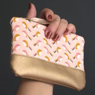 Porte-monnaie en tissu et simili cuir doré fait main oiseau graphique rose poudré saumon - Julie & COo