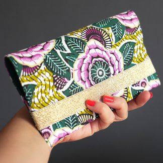 Porte-chéquier en tissu original fait main inspiration wax dahlia feuilles violet vert pochette élégante femme élastique doré protège carnet de chèques - Julie & COo