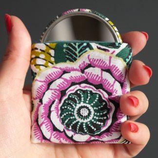 Petit miroir rond 56mm de poche tissu étui coton motifs floraux colorés dahlia mauve vert multicolore accessoire beauté femme - Julie & COo