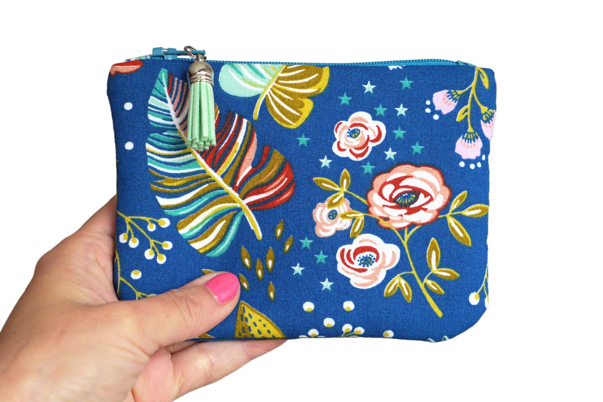 Carte Bleue Zip.Grand Porte Monnaie Femme Ancolie Format Carte Identie Tissu Fleurs Multicolores Fond Bleu Zip Turquoise
