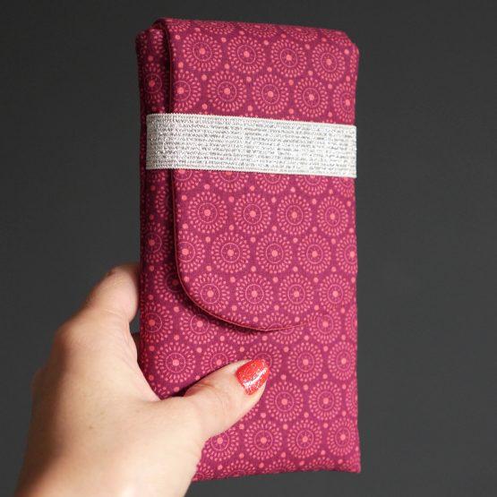 Housse téléphone en tissu graphique iPhone Samsung protection étui pochette téléphone portable élastique argent brillant - Julie & COo