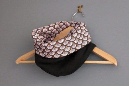 Snood femme col tissu motifs graphique ethnique écailles rose orange noir mode hiver tendance japonais polaire réversible - Julie & COo