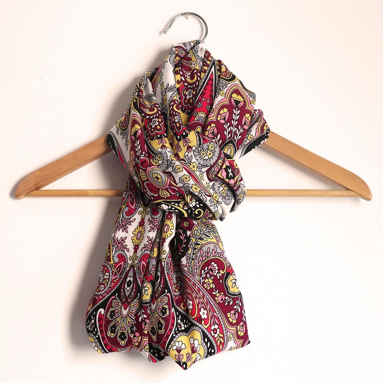Snood foulard femme écharpe mi-saison motifs variés fleurs arabesques  multicolore rouge noir jaune mode 64ad2910076
