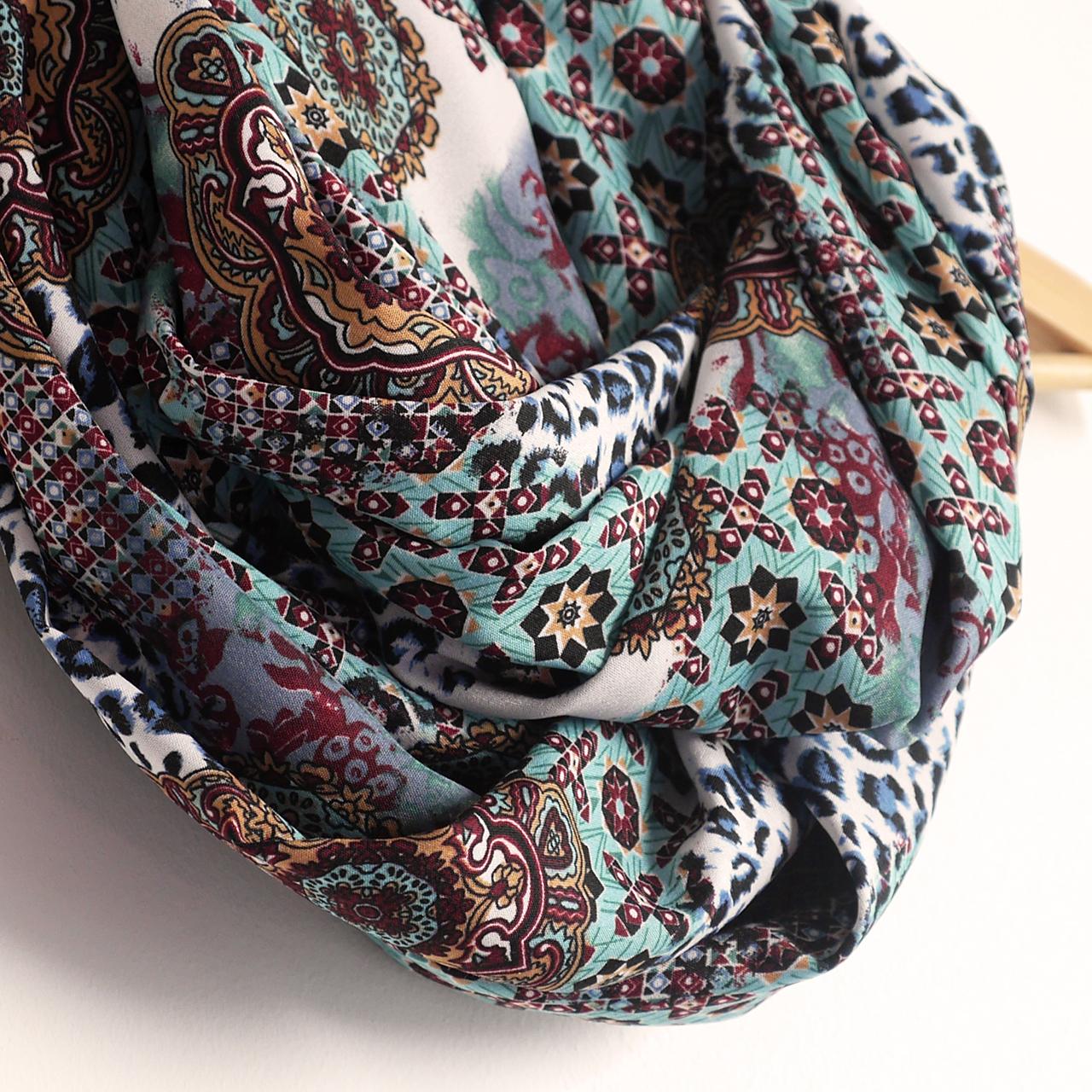 120cf30ff44c Snood foulard femme écharpe mi-saison motifs variés fleurs étoiles léopard  multicolore bleu rouge noir
