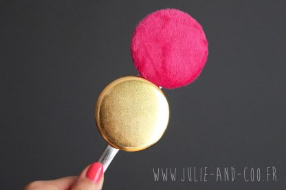 Magnet gold fluffy brillant or doré jaune bling bling shiny fourrure polaire minky rose fuchsia aimant frigo girly cocooning décoration home cadeau original handmade - Julie & COo
