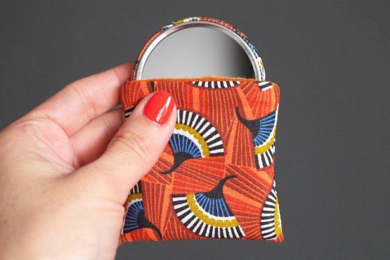 Miroir de poche coloré wax éventails orange bleu pétrole étui polaire accessoire beauté maquillage cadeau fête des mères - Julie & COo