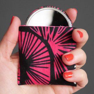Miroir femme de poche rond wax noir rose fuchsia pocket mirror graphique ethnique cadeau original - Julie & COo