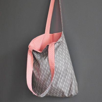 Tote bag sac femme tissu gris flèche graphique rose corail pastel shopping course cadeau fête des mères - Julie & COo