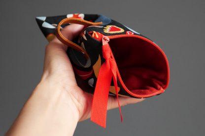Trousse femme toile coton fleur bleu marine rouge pochette rangement maquillage passeport voyage fait main zip cuir - Julie & COo
