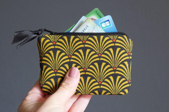 Petit porte-monnaie femme tissu éventails japonais graphique jaune moutarde noir rouge zip ruban trousse pochette carte de crédit - Julie & COo