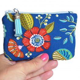 Mini porte-monnaie femme Ancolie tissu fleuri coloré bleu carte de crédit fleurs feuilles rouge jaune turquoise doublure cotillons zip pompon trousse pochette cadeau - Julie & COo