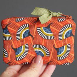 Petit porte-monnaie format mini cartes de crédit tissu éventail graphique wax orange bleu pétrole vert zip ruban cadeau femme unique original - Julie & COo