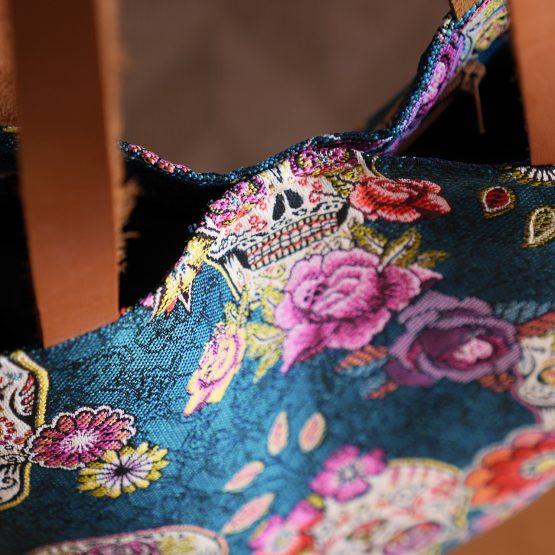 Sac femme cabas tote bag jacquard anses en cuir têtes de mort mexicaine dia de los muertos bleu pétrole canard paon fleurs coloré cadeau unique fête des mères - Julie & COo