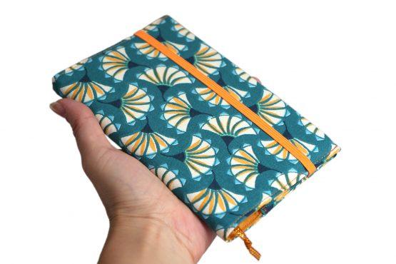 Agenda femme motifs fleurs azalées graphiques éventails japonais bleu turquoise orange élastique fluo carnet journal de poche semainier rentrée 2019 2020 tissu handmade - Julie & COo