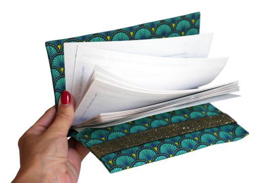 Porte-chéquier femme tissu handmade écailles japonaises graphique bleu turquoise émeraude élastique or doré brillant pochette sac - Julie & COo