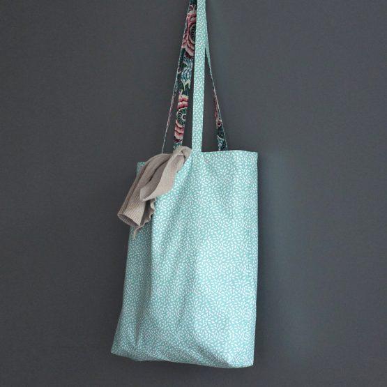 Tote bag femme tissu sac shopping réversible coton wax dahlia bleu turquoise rose fuchsia cabas course vacances cadeau original fait main unique - Julie & COo