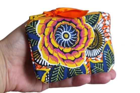 Mini porte-monnaie femme dahlia jaune soleil tissu inspiration wax coloré carte de crédit fleur feuilles doublure zip ruban trousse pochette pratique cadeau - Julie & COo