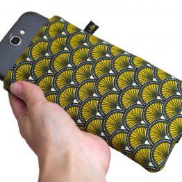 Housse iPhone Apple 11 Pro Max étui tissu écailles japonaises graphique jaune et noir téléphone portable samsung S10+ fermeture élastique - Julie & COo
