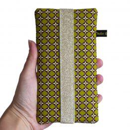 Housse iPhone Apple 11 Pro Max étui tissu graphique losanges vert pistache et marron téléphone portable samsung S10+ fermeture élastique doré or brillant - Julie & COo