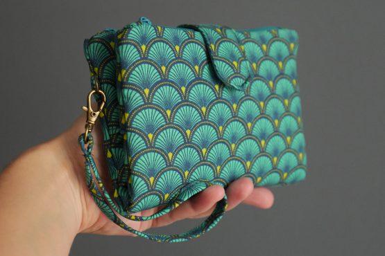 Petit compagnon porte-monnaie duo double zip bleu turquoise écailles japonaises émeraude graphique pochette dragonne aimant porte-document femme - Julie & COo