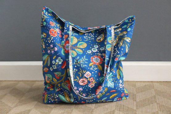 Totebag fleurs Ancolie réversible tissu sac femme bleu coloré cotillons menthe original handmade shopping course anses - Julie & COo