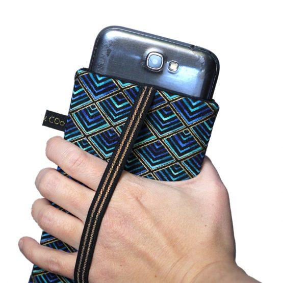 Housse iPhone tissu créateur losanges dorés graphique noir bleu turquoise élastique étui téléphone portable 11 pro Max Samsung S10+ - Julie & COo