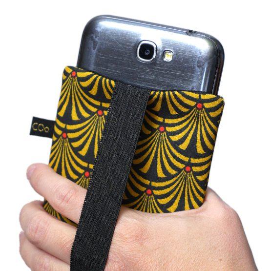 Housse de téléphone iPhone Apple 11 Pro Max étui tissu éventails japonaises graphique jaune moutarde noir portable samsung S10+ fermeture élastique doré brillant - Julie & COo