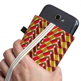 Housse téléphone portable tissu pochette femme iPhone Samsung motifs graphique pharaon egytien ethnique rouge jaune curry élastique doré étui rigide - Julie & COo