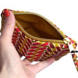 Grand porte-monnaie pochette simple femme zip doré tissu graphique ethnique rouge jaune curry format identité - Julie & COo
