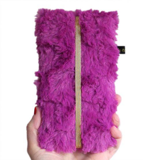 Housse kawaii téléphone portable fourrure original iphone samsung violet magenta élastique or kitch cadeau étui pochette femme - Julie & COo