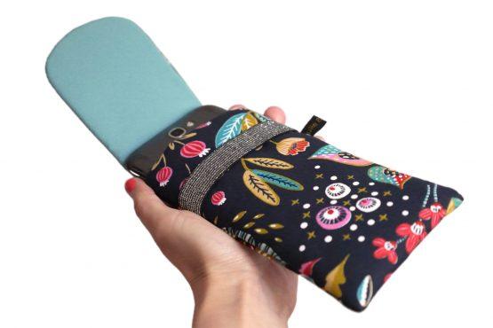 Étui iPhone tissu avec rabat 11 Pro Max housse fleurs colorés bleu nuit élastique argent cadeau femme microfibre bleu turquoise pochette samsung S10+ - Julie & COo