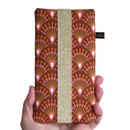 Housse chaussette téléphone tissu graphique éventails queue de paon terracotta rouille brique orange vieux rose élastique doré protection iPhone Samsung S20+ - Julie & COo