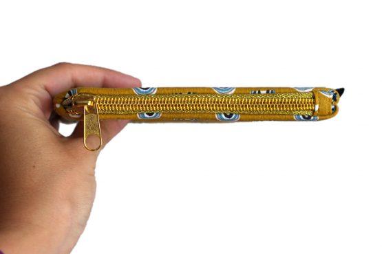 Grand porte-monnaie femme fait main tissu arc-en-ciel fond jaune curry zip doré pochette trousse handmade carte identité - Julie & COo