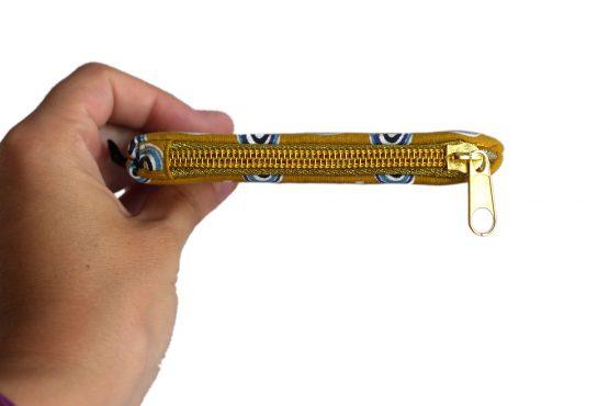 Mini porte-monnaie femme fait main tissu arc-en-ciel fond jaune curry zip doré pochette trousse handmade carte crédit - Julie & COo
